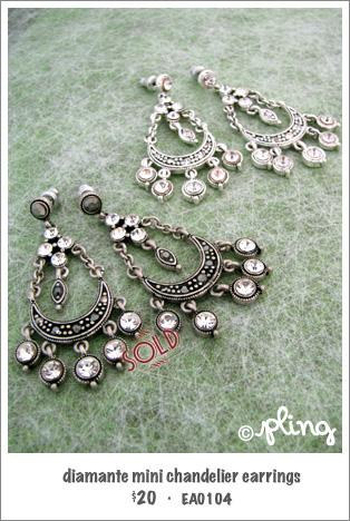 EA0104 - diamante mini chandelier earrings