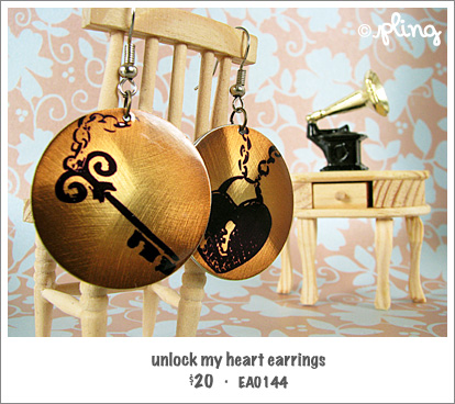 EA0144 - unlock my heart earrings
