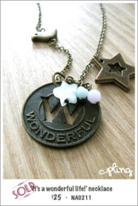 NA0211 - 'it's a wonderful life!' necklace