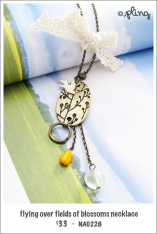 NA0228 - flying over fields of blossoms necklace