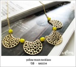 NA0234 – yellow moonnecklace