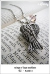 NA0274 – wings of lovenecklace