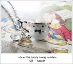 NA0285 – a beautiful dainty teacupnecklace